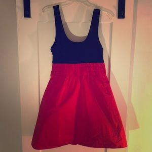 Theory color block dress in two tone back/red!